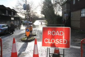 Road_closed_at_Pulborough_22nd_Dec_2019.jpg